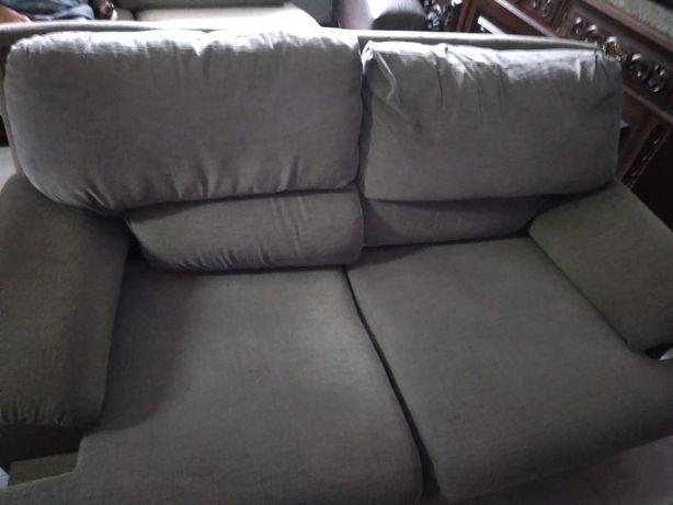 Sofa cama cinza , confortavel
