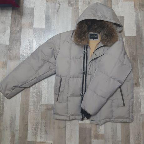 Зимова чоловіча куртка (пуховик)