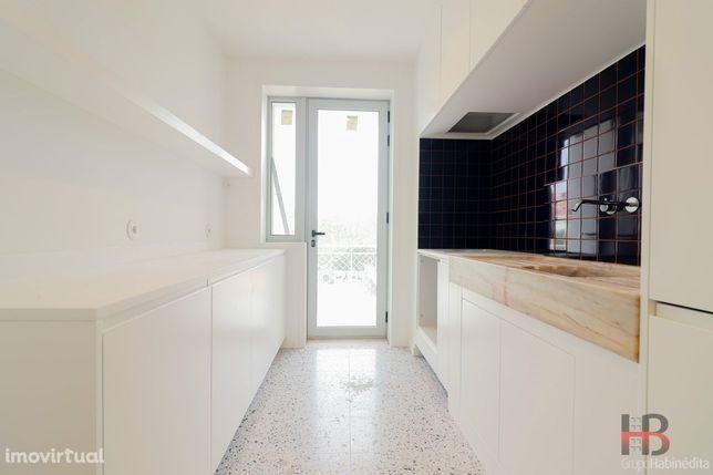 Apartamento T2 Arrendamento em Cedofeita, Santo Ildefonso, Sé, Miragai