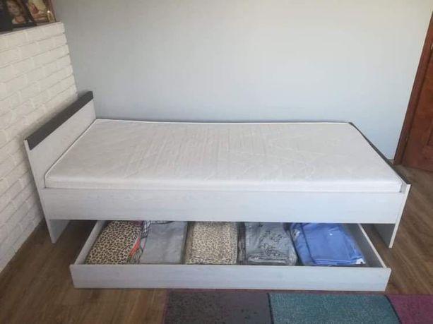 Łóżko z materacem 80x200