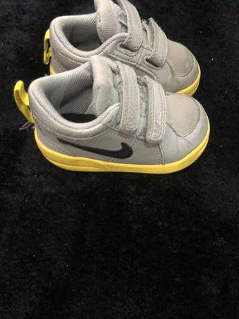 Sapatilhas da Nike tamanho 19,5