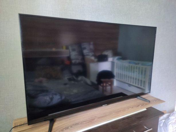 Телевизор samsung 55 . В использовании пол года .