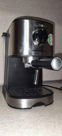 Кофеварка рожковая Grunhelm GEC17