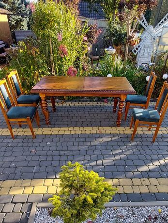 Stół  rozkładany drewniany + 4 krzesła