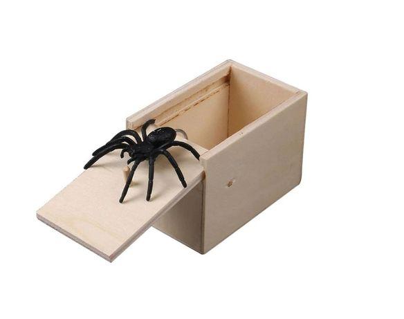 Zabawny Pająk wyskakujący z pudełka po otwarciu,świetny żart