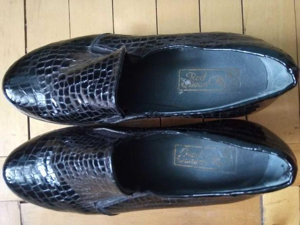 Демисезонные взрослые туфли маленького размера