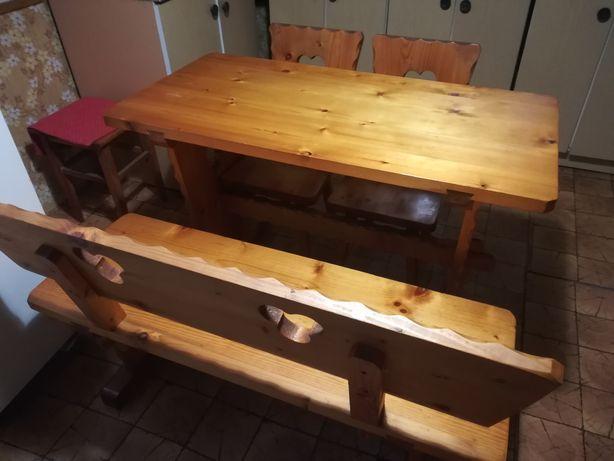 Stół z ławą i krzesłami góralski