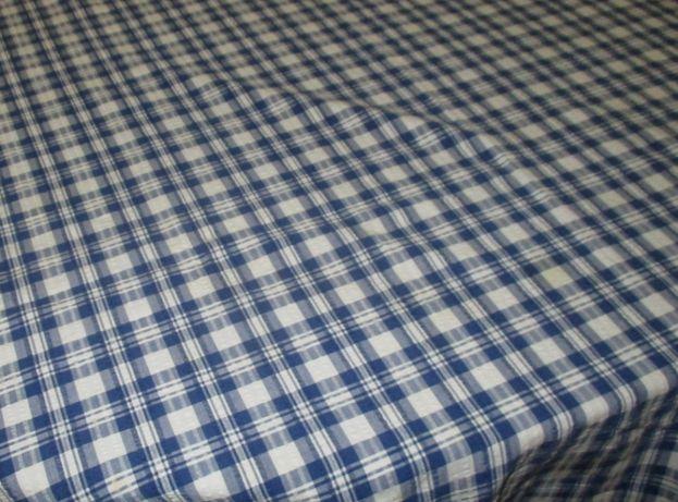 toalhas em tecido xadrês azul e branco