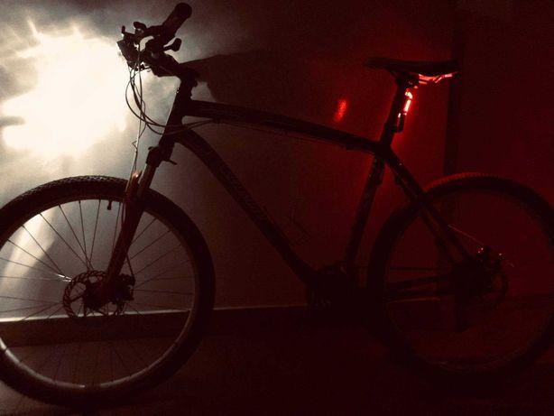 Rower Specialized MTB + dodatki oświetlenie latarki/komputer/uchwyt
