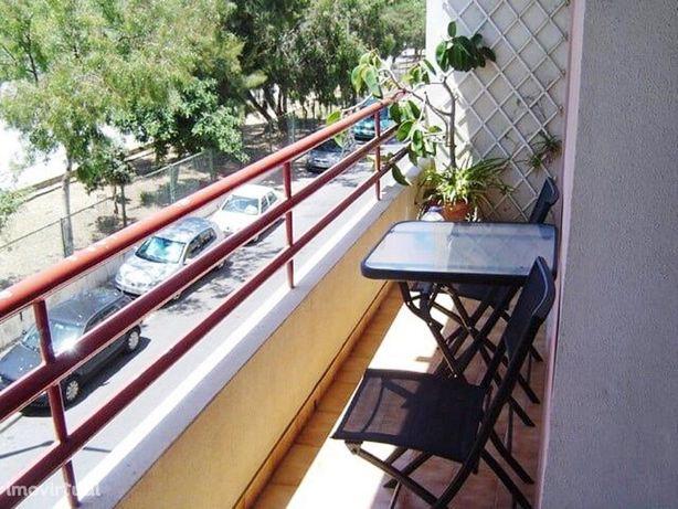 Apartamento T4 Perto do Fórum Algarve e Estação de Comboio