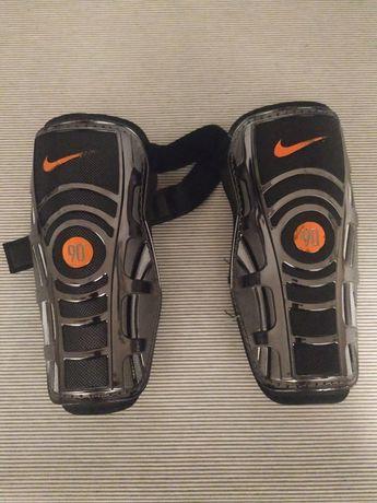 Caneleiras Nike - Tamanho L