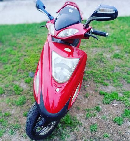 Продам скутер Defiant Arteko 4т