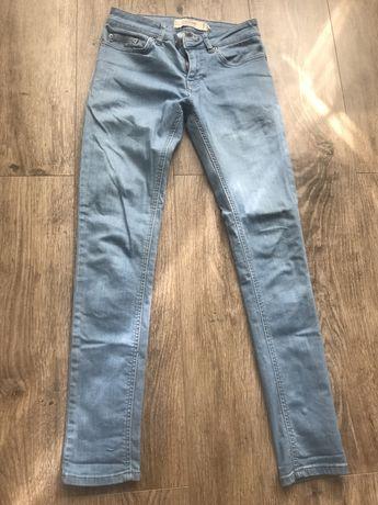 Светлые джинсы s