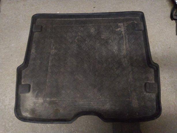 Dywanik do bagażnika - Ford Focus Mk1 Kombi