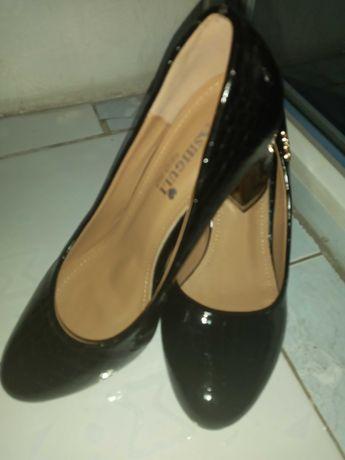 Продам не дорого туфли на девочку.