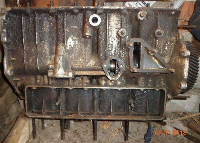 Блок двигателя УАЗ, Волга, РАФ. Головка, коленвал, распредвал.