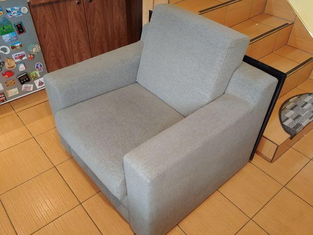 Fotel tapicerowany szary