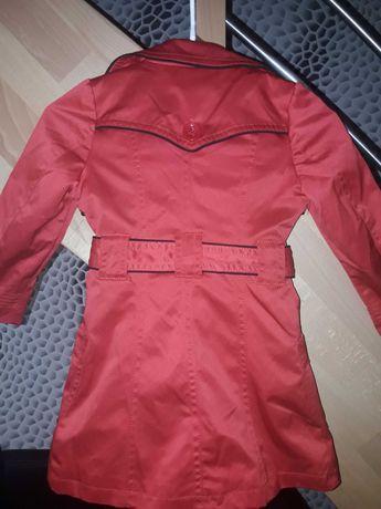 Płaszczyk dziewczęcy na 4 latka czerwony