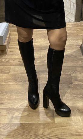 Шикарные кожаные сапоги на высоком каблуке 37 р.