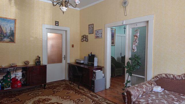 Продам 3-х кімнатну квартиру вул.Недецеї