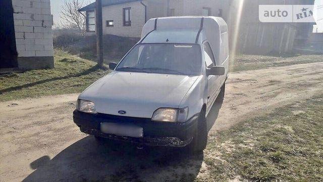 Фары Форд Курьер.1991-1995.Оптика Ford Courier.1991-1995.