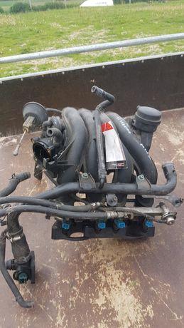 Kolektor ssący Volkswagen Passat B5 1. 6 benzyna