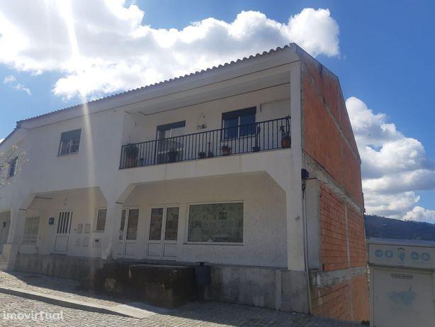 Apartamento T3 Venda em São Martinho de Mouros,Resende