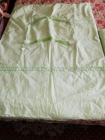Продам новое одеяло и подушку  купили но не пользовались