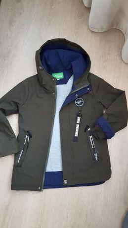 Осіння куртка на хлопчика 134 р.