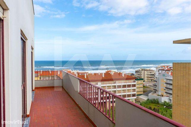 Apartamento T2 | Terraço privativo de 88 m2 | Vista panorâmica sobre t