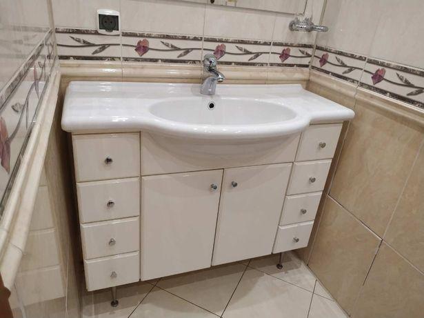 Używana szafka łazienkowa z umywalką