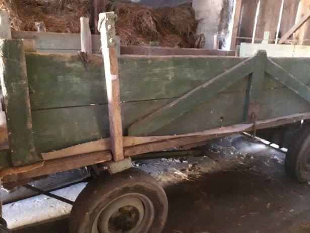 Przyczepa - Woz drewnianych na 4 kolach
