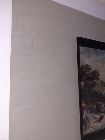 Ściany z betonu tanio , szybko modny disajn.