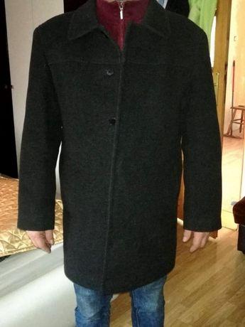 Sprzedam płaszcz męski