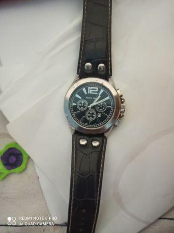 Мужские часы в отличном состоянии