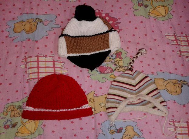 Набор 3 вязанных шапки для малыша
