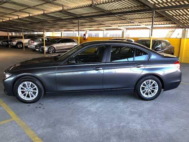 BMW 320d 184cv 4 portas ano  2012