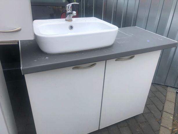Szafki z umywalka łazienkowe