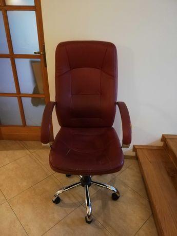 Skórzany fotel biurowy, ergonomiczny, w pełni sprawny