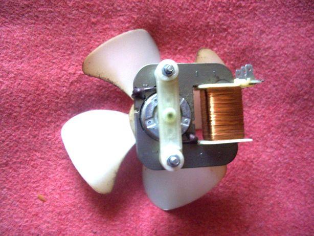 Двигатель и вентилятор микроволновой печи Samsung.