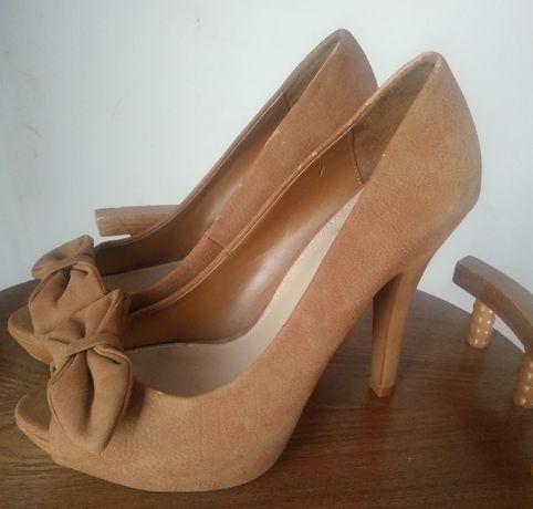 Piękne buty Zara Basic wysoki obcas rozmiar 38