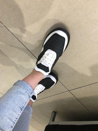 Кросівки, натуральна шкіра