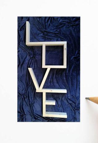 "Drewniana półka ""Love"""