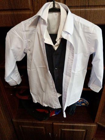Школьный костюм для первокласника