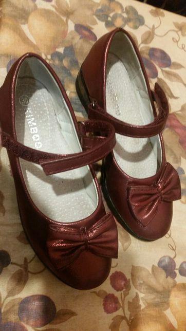 Туфли на девочку 6-9 лет на 1 сентября в школу размер 30 одевали 1 раз