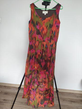 Kolorowa zwiewna sukienka z dłuższym tyłem