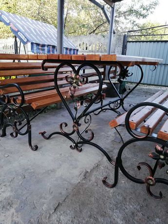 Столи, лавочки садові та комплекти