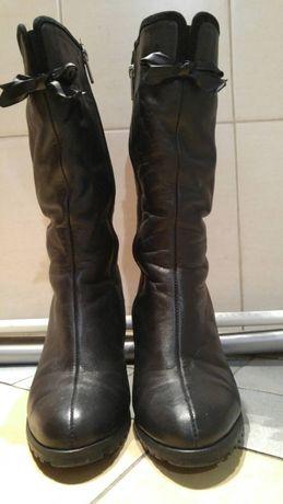 Кожаные зимние женские сапоги черные на меху (23.5 см) 7 см каблук.