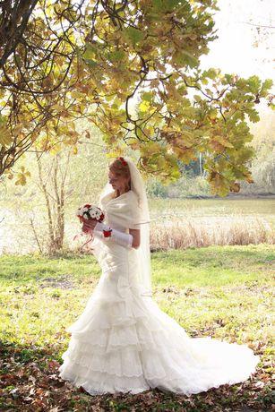 Весільна сукня 44-46 стан чудовий