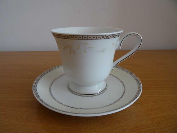 CHODZIEŻ -Filiżanka z podstawkiem i talerzykiem - porcelana